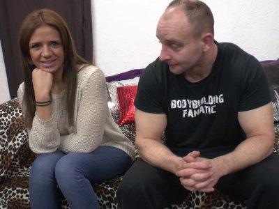 Angelica est venue de Marseille pour tenter une expérience dans le porno en comp