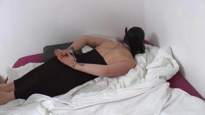 ma femme branle un inconnu fellation apres sodomie