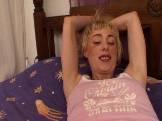 Casting anal d'une blonde ivre en manque de queue