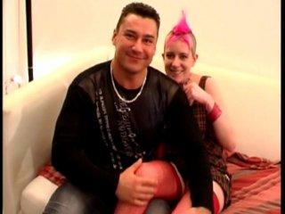 Casting porno d'une Punk amatrice de sodomie et d'éjaculation faciale