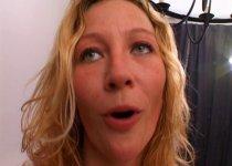 Voir la vidéo: Gorge profonde pour une amatrice très excitée
