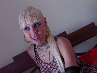 Sodo d'une minette de 19 ans qui aime le sperme en bouche