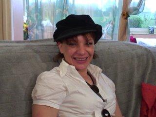 Jade, 31 ans découvre la double pénétration