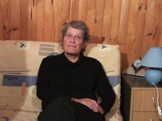 Chantal 60 ans passe un casting porno