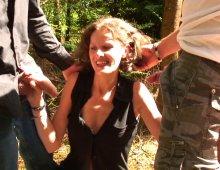 220x170 1050 - Sophie s'offre une partouze pendant ses vacances dans un village