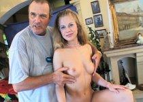 Une magnifique Tchèque blonde de 20 ans
