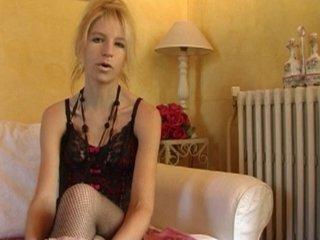 Angie a envie d'une sodomie pour son casting