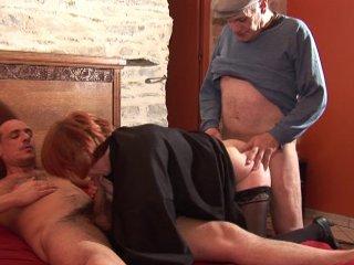 fist anal et vaginal pur un futur femme mariée