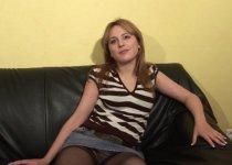 Jolie blondinette de 20 ans en plein casting