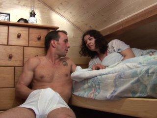 Une petite coucherie intense avec son beau-père
