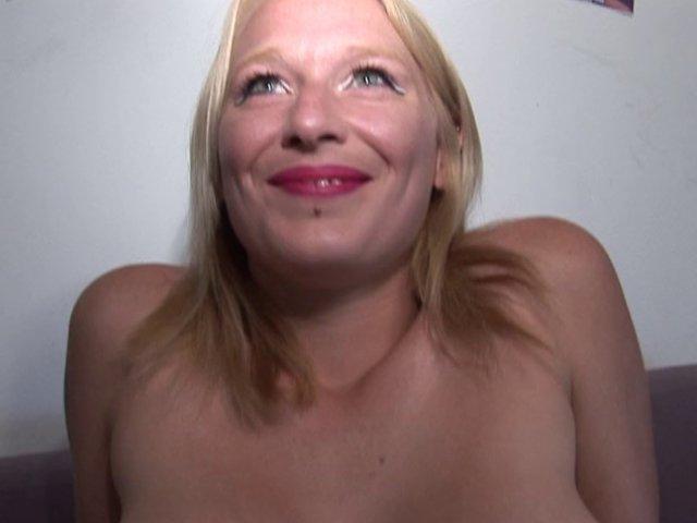 fisting porno Joyce est venue de belgique montrer ses talents film porno
