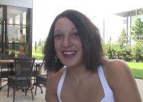 Voir la vidéo: Un casting sexy avec une brune très expressive