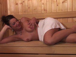 Séance de sauna torride avec nat