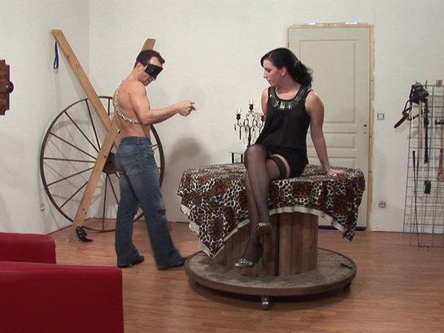fisting anal Un dressage de salope de plus sur notre cv ! video porno