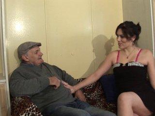 Joyeux anniversaire papy pervers avec erika