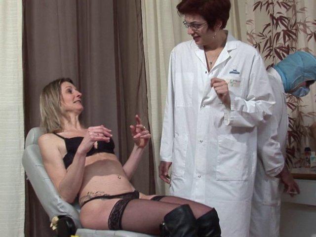 ma gynecologue est une chienne lubrique