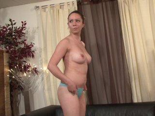 Casting d'une amatrice de 21 ans qui veut faire du porno