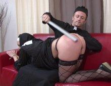 video de sexe dans une eglise entre un prete et sa bonne soeur