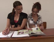 deux étudiantes allumeuse à enculer sauvagement
