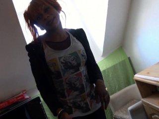 Naomie petite black victime de notre casting sauvage dans la rue