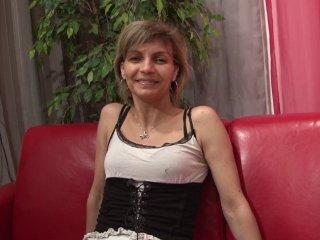 femme au foyer humiliée par 2 lascars black