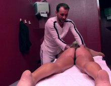 une seance de massage torride