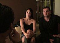 Voir la vidéo: Deux mecs vont baiser sa femme