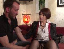 mature française défoncée par un jeune inconnu