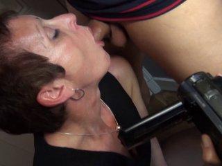 Diana la cougar débauche un jeune étudiant pour se faire défoncer le cul 2