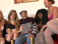 partouze exceptionnelle pour la retraite de Papy Voyeur