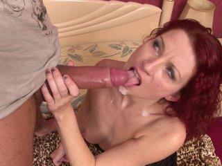 Julia Valmont : Un entretien d'embauche très chaud avec une rousse déterminée!