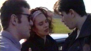 Un couple amateur baise avec le chauffeur de taxi