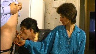 Plan cul bisexuel vintage avec papy cochon, Alain et Aurélie