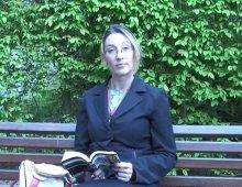 , Suivie dans un parc, on arrive à convaincre Carole de tourner!, Plan Cul Gratuit