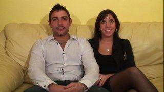 Jeune couple coquin de la banlieue parisienne tourne un porno