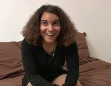 220x170 27 - Une jeune Réunionnaise veut s'initier à la sodomie avec nous!
