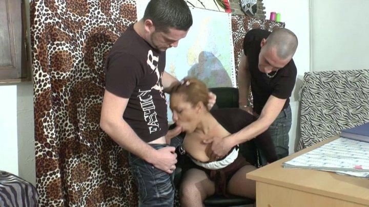 720x405 195 - Une prof débordée lors de son cours d'éducation sexuelle!