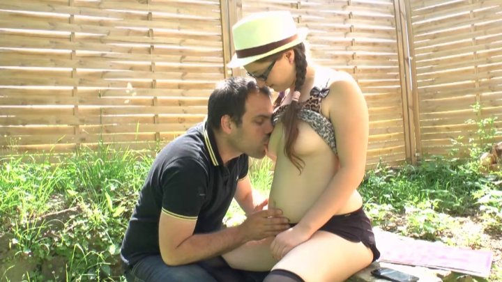 Sophie outdoor anal