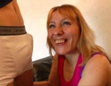 220x170 142 - Carole reçoit tout pour son 1er casting!