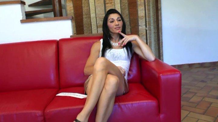 , Linda, 36 ans revient passer sa petite annonce pour chopper 2 bites!, Sexe Friend