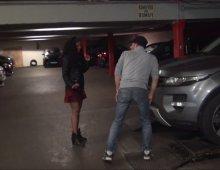 220x170 106 - Une jeune Antillaise délurée baisée à l'arrache dans un parking de Paris!