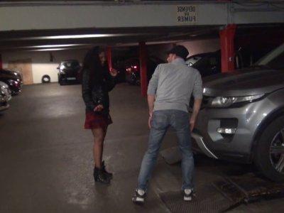 Kali était tombée folle amoureuse d'un garagiste de son quartier et avait demand
