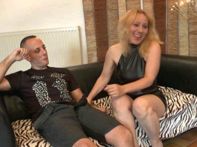 Candice reçoit Loona Carole, une fleuriste d'Amiens âgée de 47 ans, raide dingue