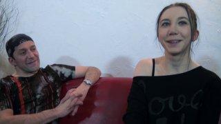 La jeune et jolie Lily a répondu à l'appel de Max pour une vidéo très hot! A 24 ans,...