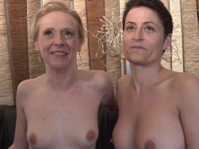 La belle Angie, trentenaire sexy et coquine, a rendez vous avec Amélie pour une