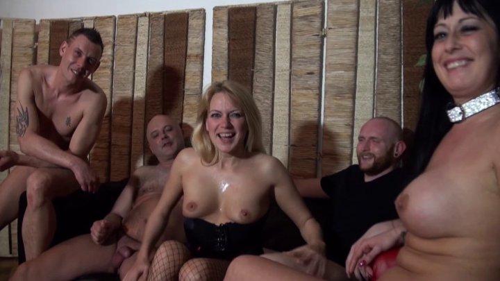 720x405 1038 - Gang-bang et double vaginale pour une maman belge très vorace!