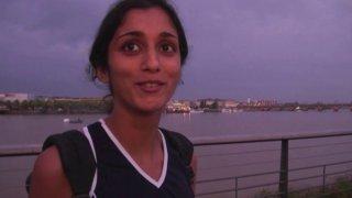Baise POV avec une jeune indienne niquée dans son appart à Bordeaux