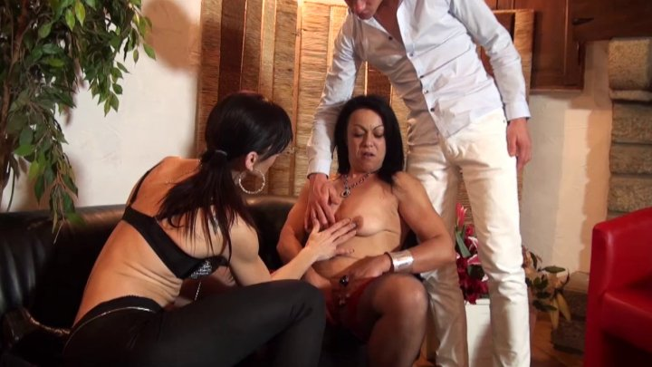 FFM Anal casting couch of a sexy brunette cougar in ...