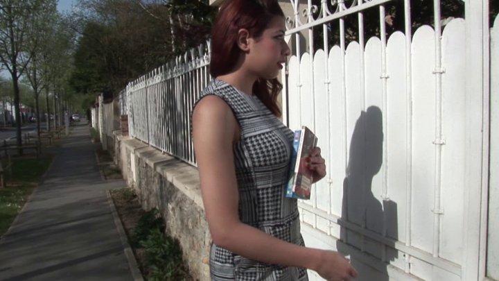 720x405 160 - Cours d'anglais et de baise pour Lilia, une jeune épouse très volontaire!