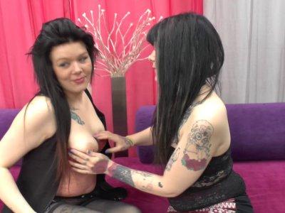 Melissa et Lesly ne se satisfont plus que d'une queue et veulent maintenant goût